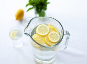 Započnite dan uz čašu tople vode sa limunom