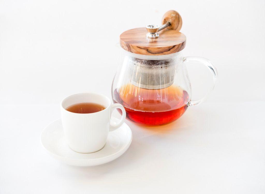Ledeni čaj od kamilice i nara