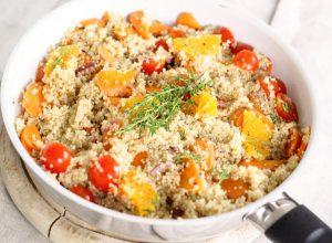 Salata od kinoe, pomorandže i povrća