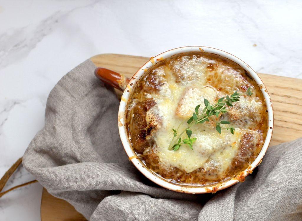 Supa od crnog luka